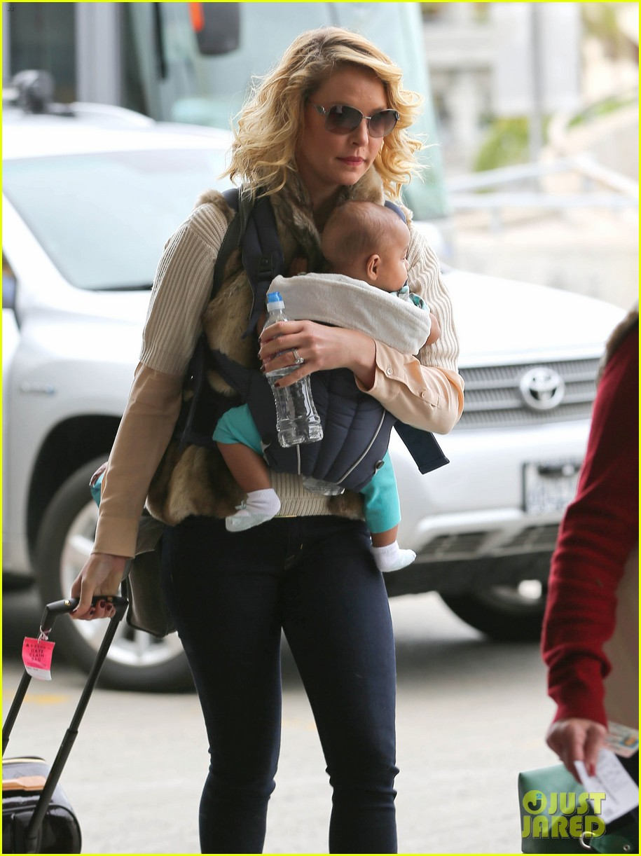 katherine heigl takes off with baby adalaide 112768524