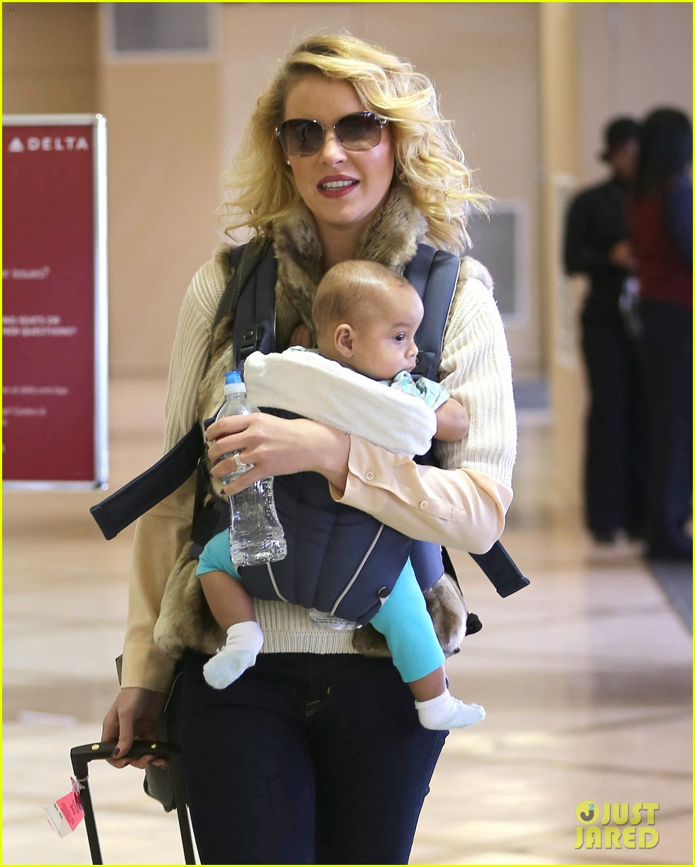 katherine heigl takes off with baby adalaide 14