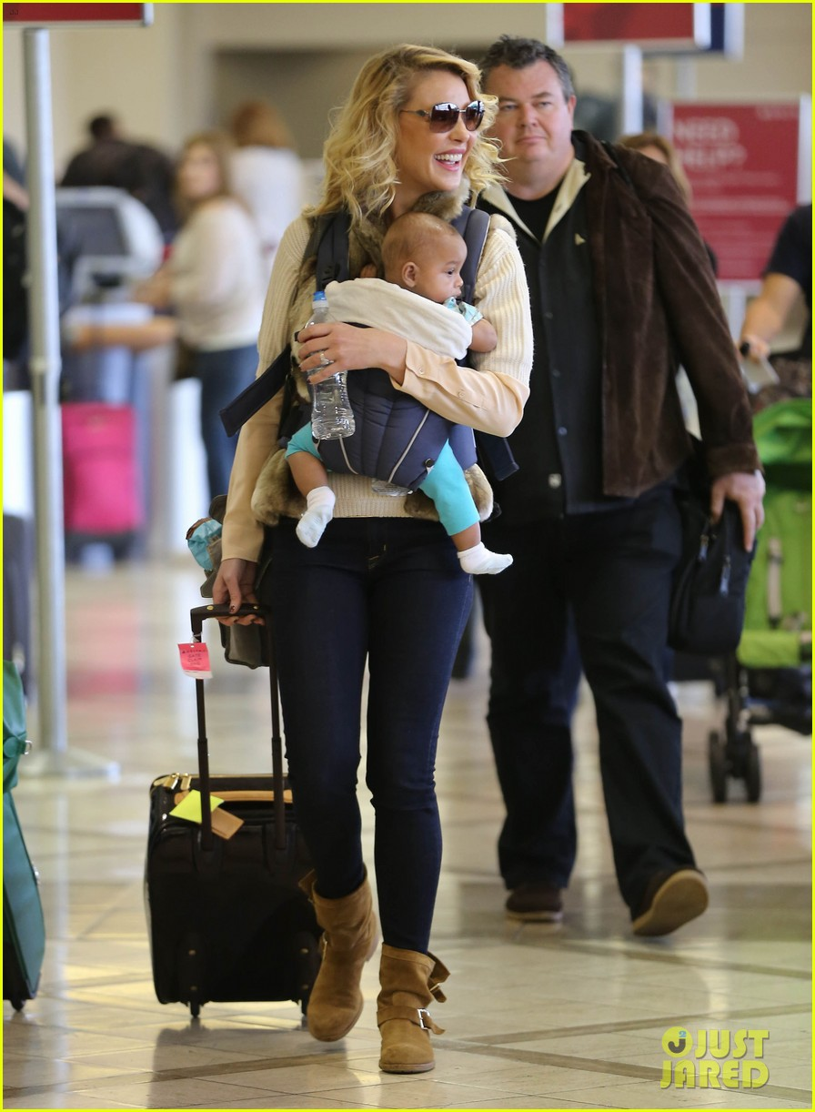 katherine heigl takes off with baby adalaide 162768529