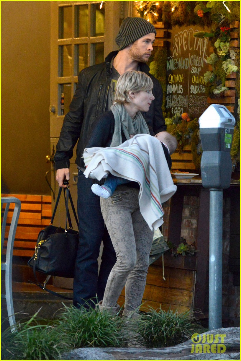 chris hemsworth elsa pataky kreation kafe with india 05