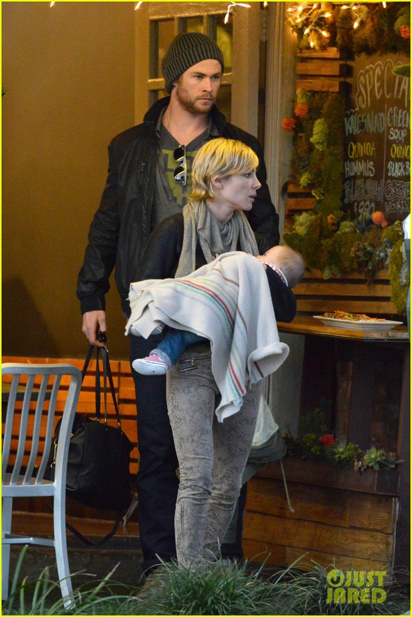 chris hemsworth elsa pataky kreation kafe with india 062782274