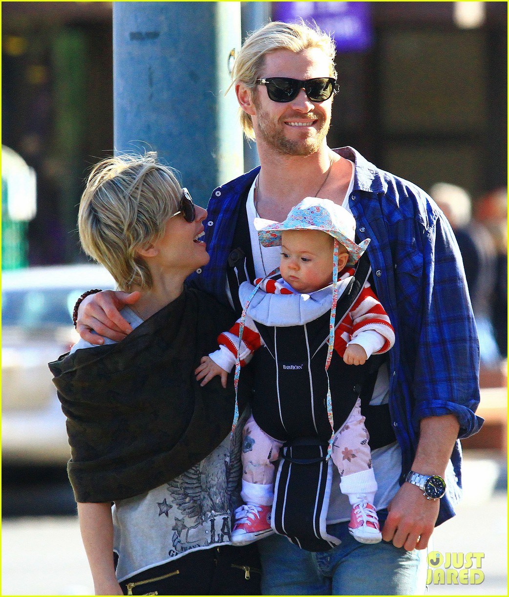 chris hemsworth elsa pataky palm springs stroll with india 232781611