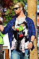 chris hemsworth elsa pataky palm springs stroll with india 10