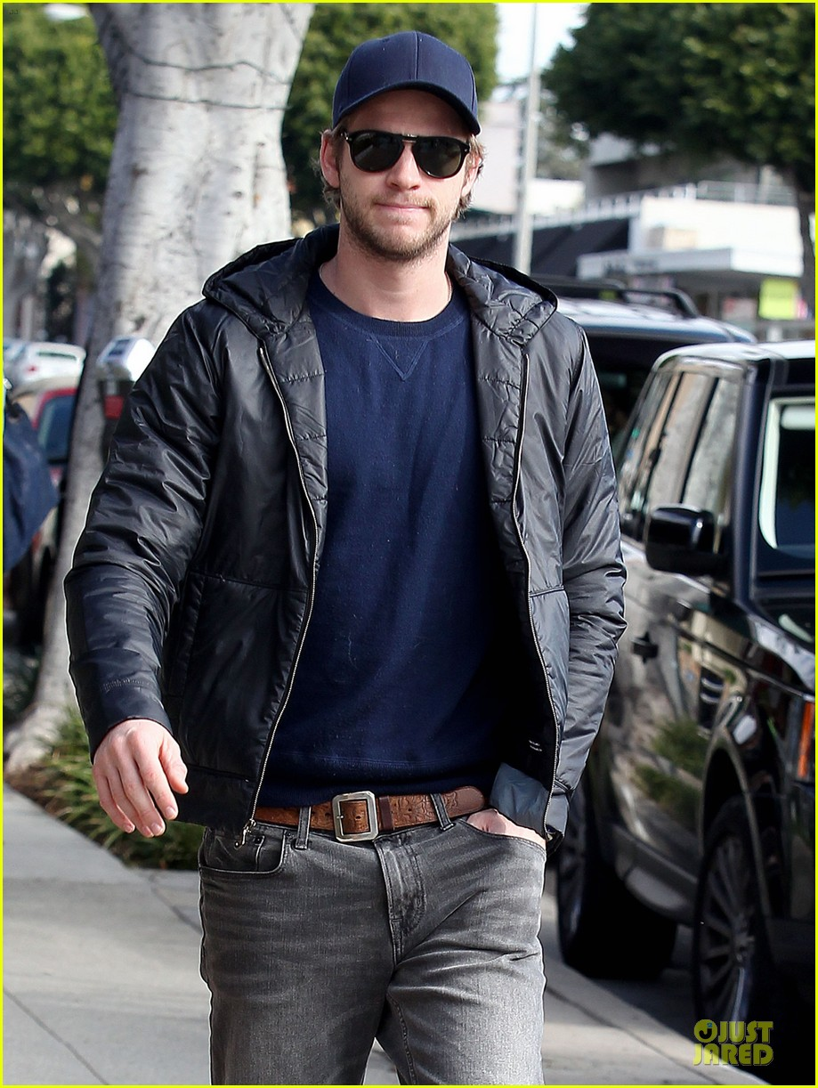 chris hemsworth & elsa pataky sunday lunch with liam hemsworth 042782666