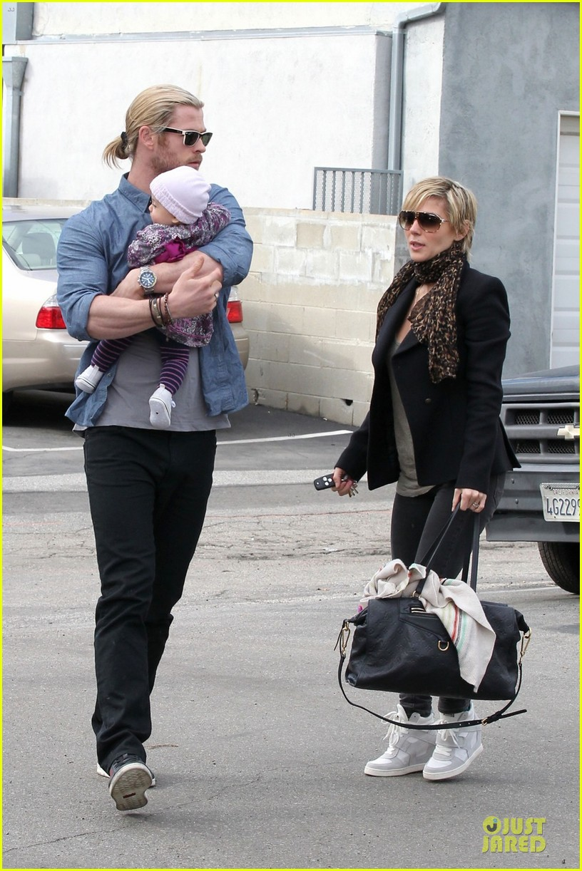chris hemsworth & elsa pataky sunday lunch with liam hemsworth 11