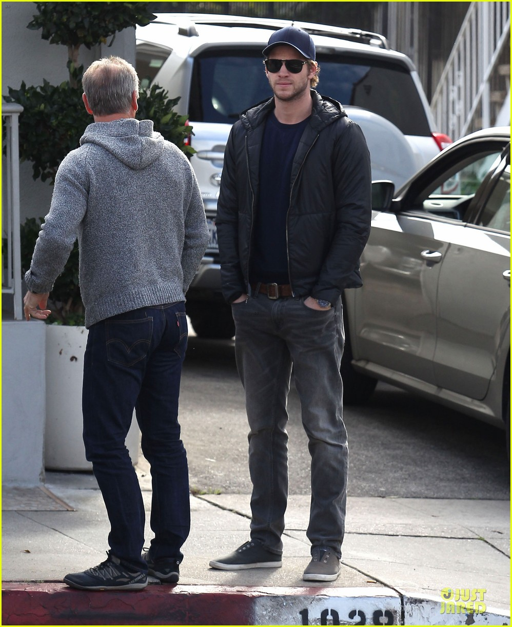 chris hemsworth & elsa pataky sunday lunch with liam hemsworth 142782676