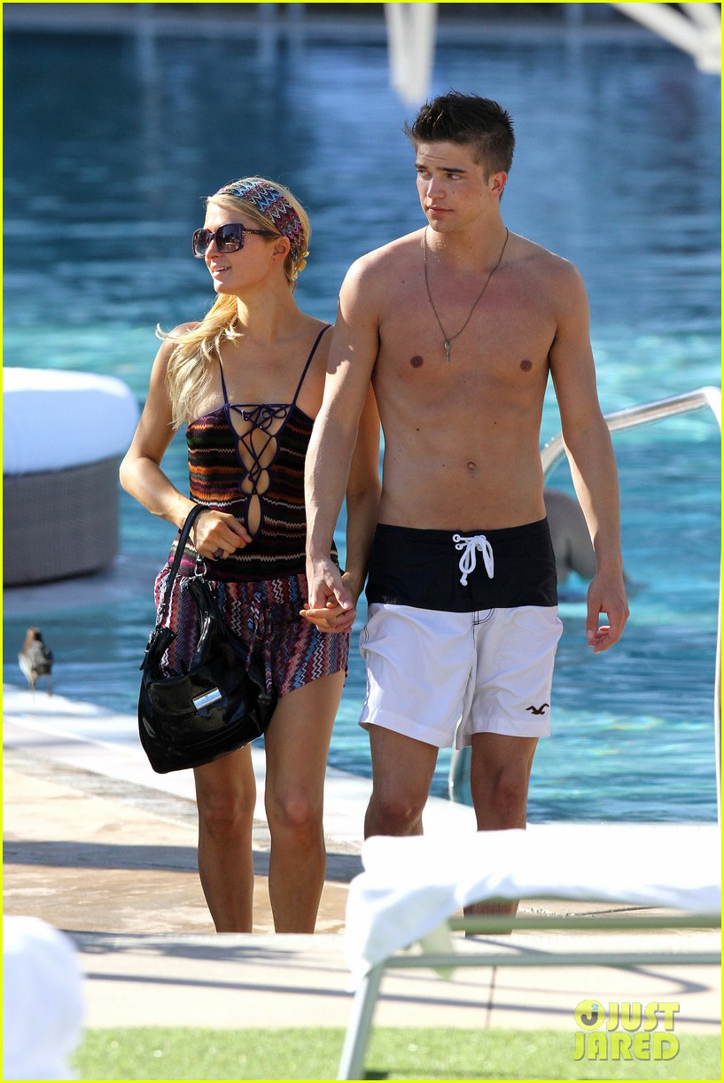 paris hilton shirtless river viiperi miami pool pair 012772006