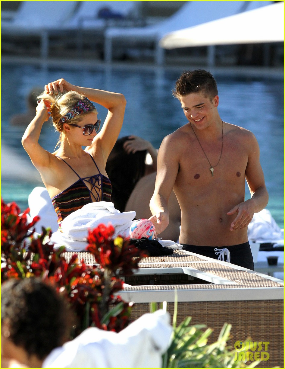 paris hilton shirtless river viiperi miami pool pair 11