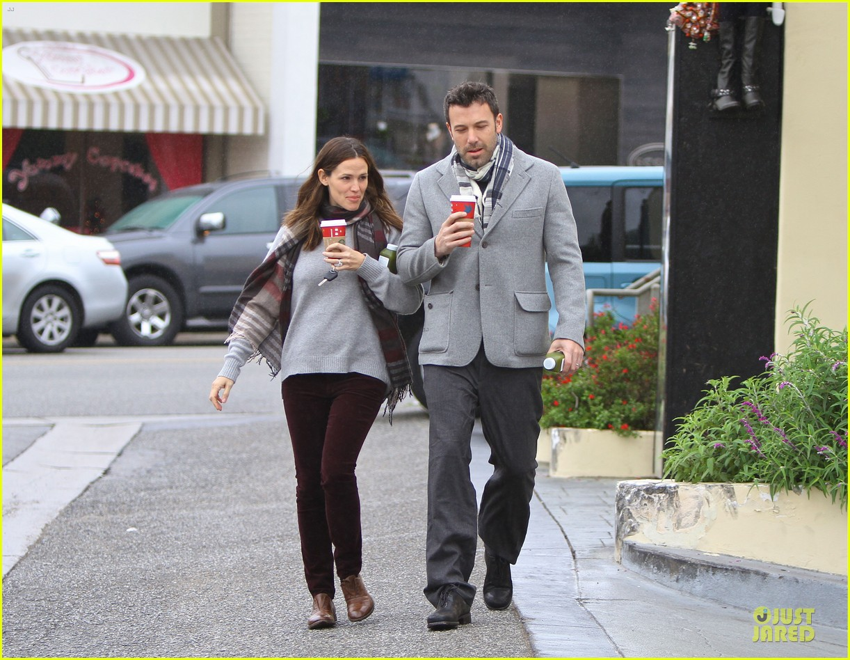 jennifer garner & ben affleck holiday shopping with the girls 19