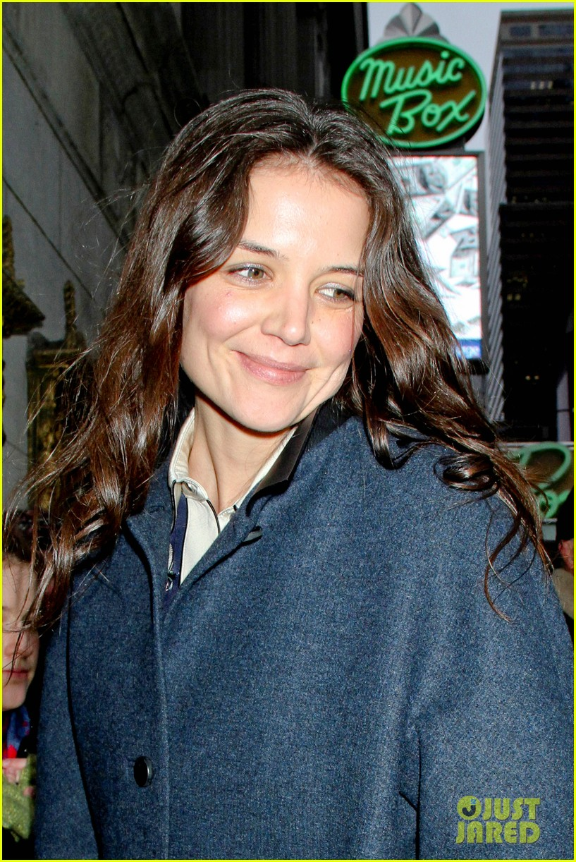 katie holmes dead accounts after christmas 012781145