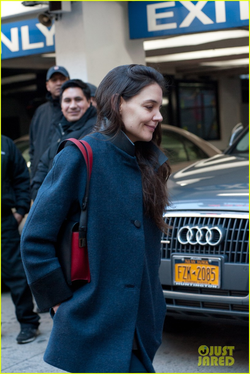 katie holmes back to work after birthday 022778339