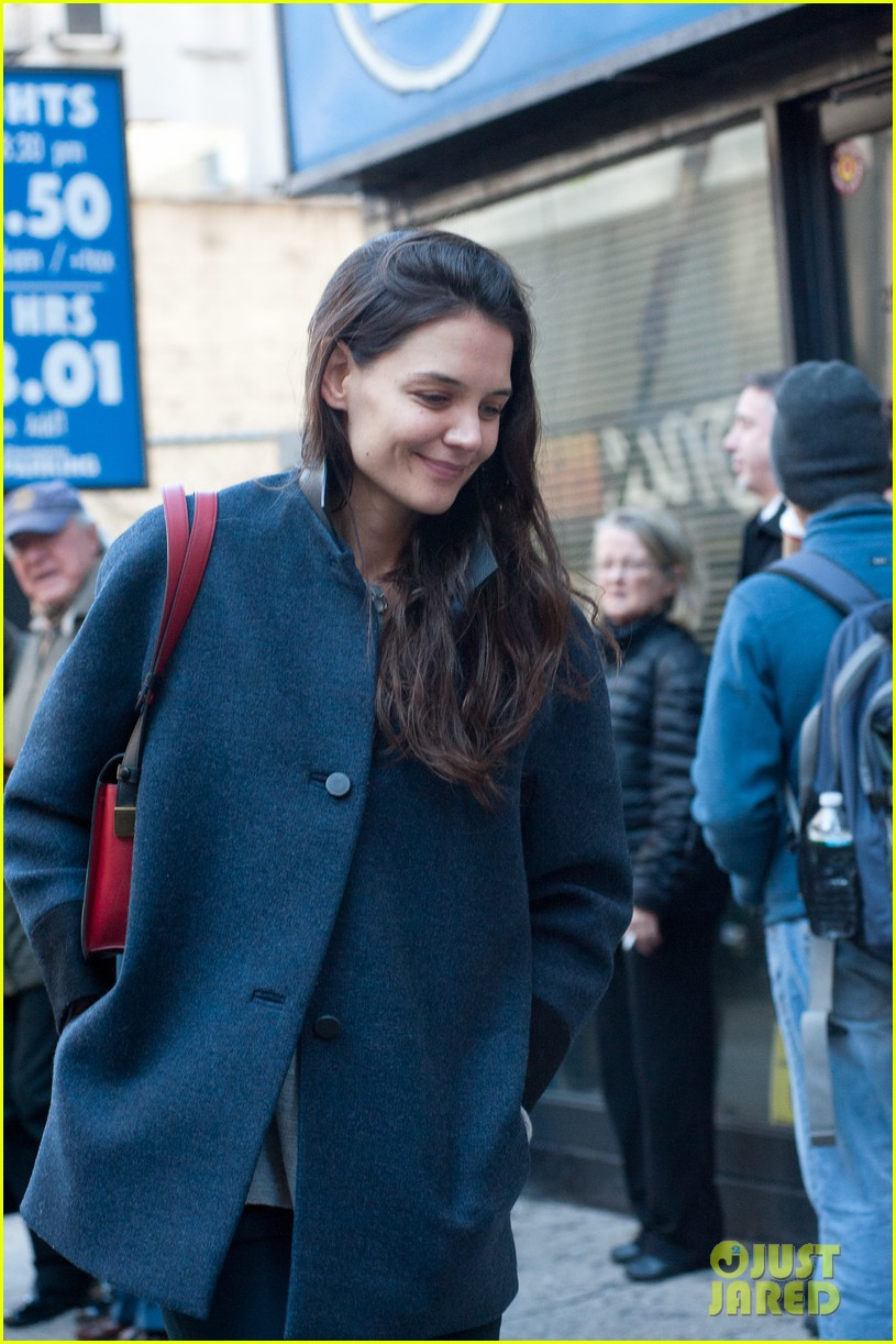 katie holmes back to work after birthday 112778348