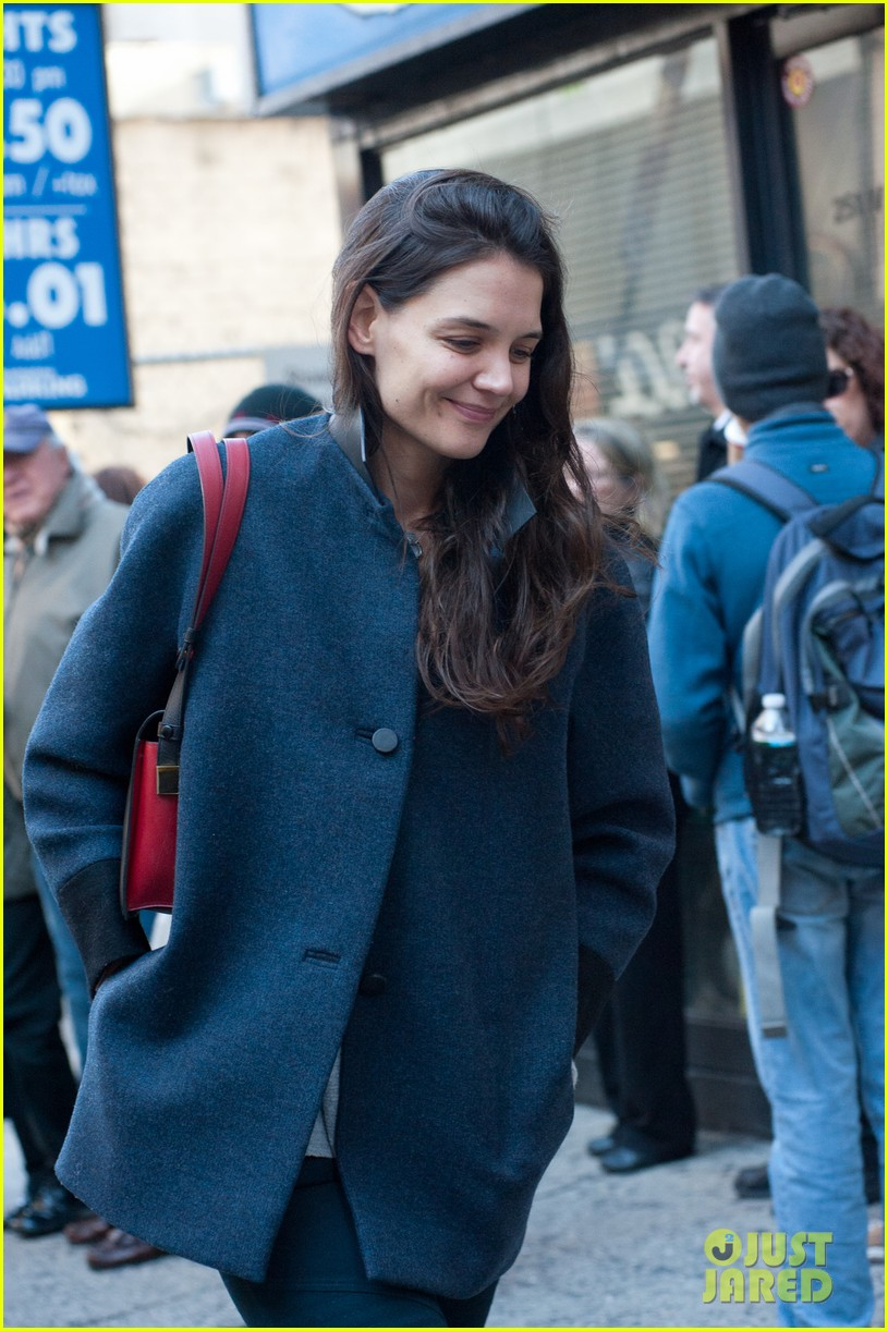 katie holmes back to work after birthday 122778349