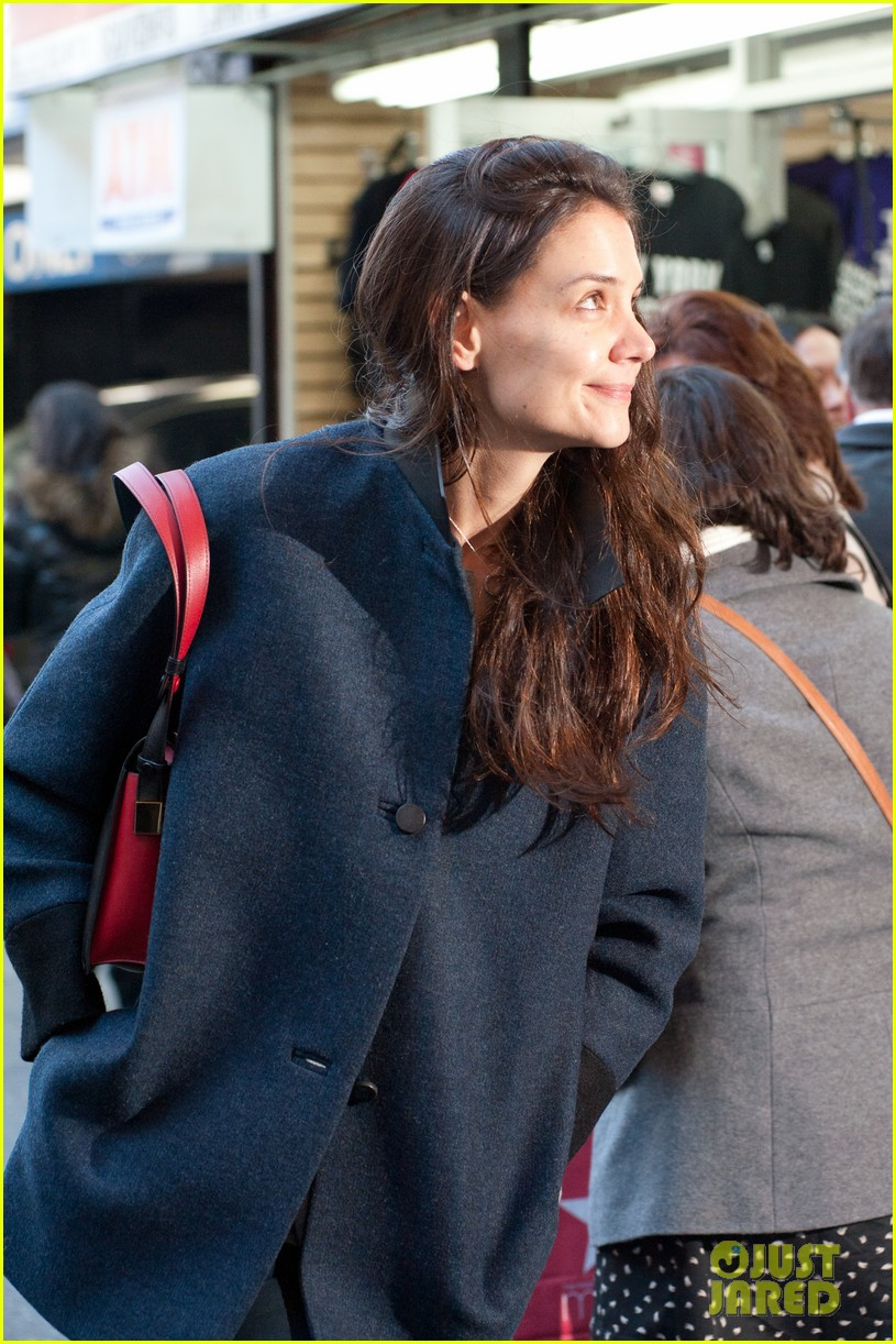 katie holmes back to work after birthday 132778350