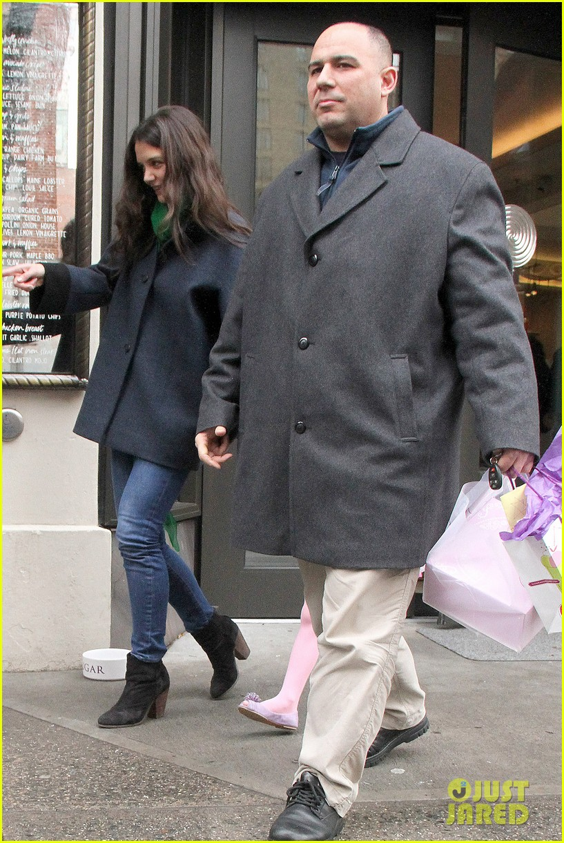 katie holmes birthday breakfast with suri 092777911