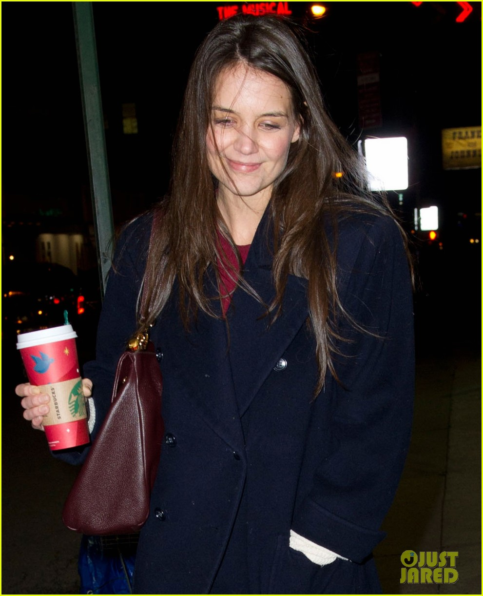 katie holmes broadway play dead accounts sets early closing 02