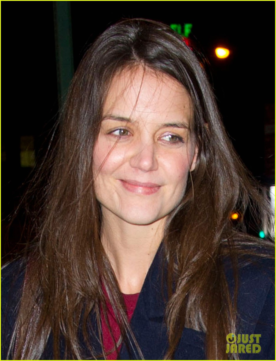 katie holmes broadway play dead accounts sets early closing 03