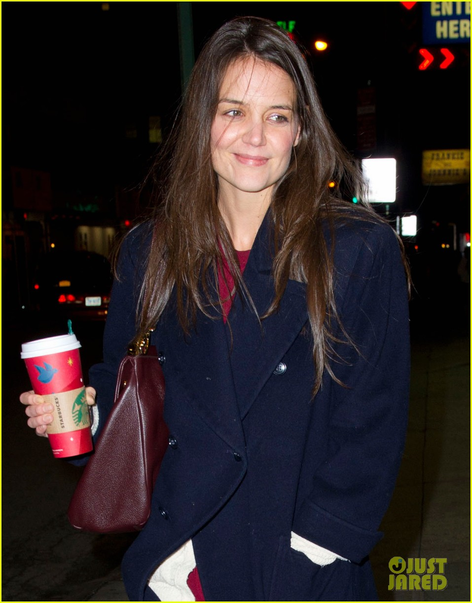 katie holmes broadway play dead accounts sets early closing 052781517