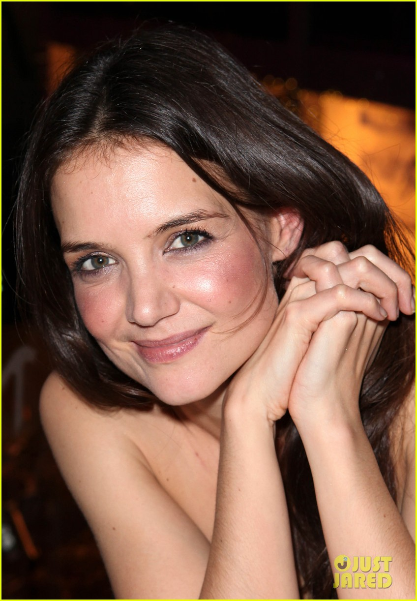 katie holmes broadway dreams foundation gala 17