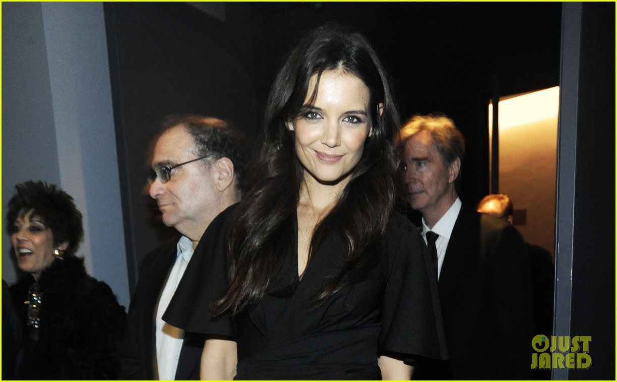 katie holmes honors quentin tarantino at the moma 052768880