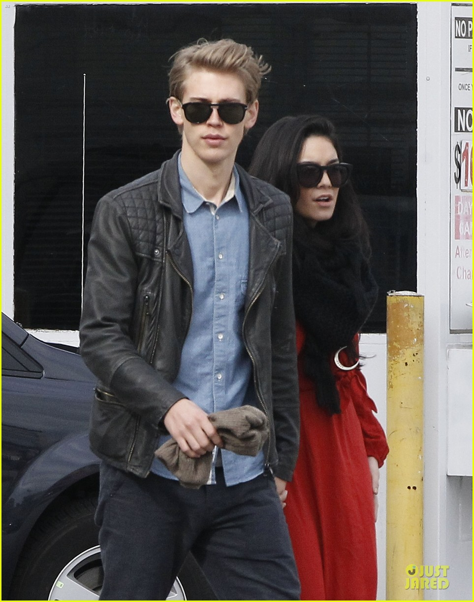 vanessa hudgens & austin butler church going couple 022782609