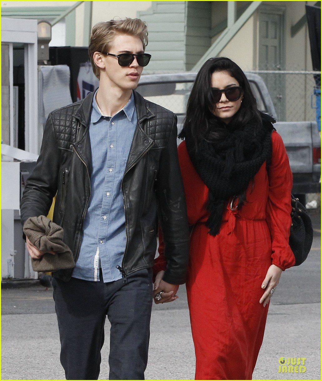 vanessa hudgens & austin butler church going couple 142782621