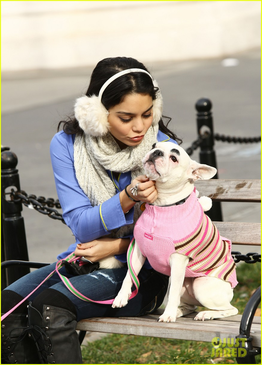 vanessa hudgens big apple dog walk 062775355