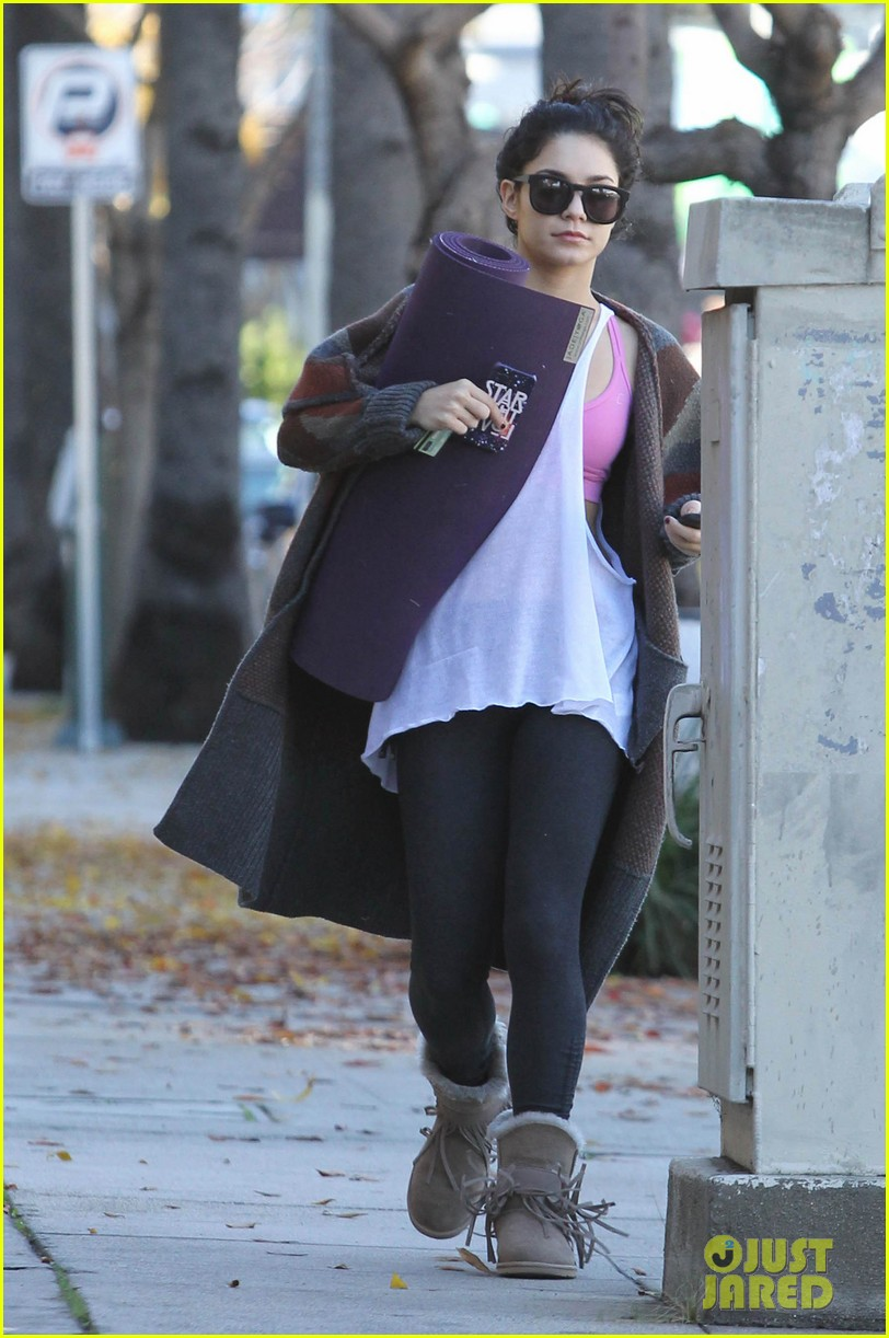 vanessa hudgens post christmas yoga class 012781102