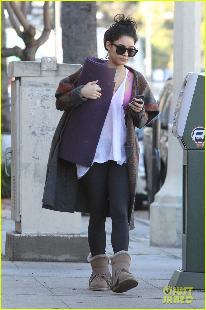 vanessa hudgens post christmas yoga class 112781112