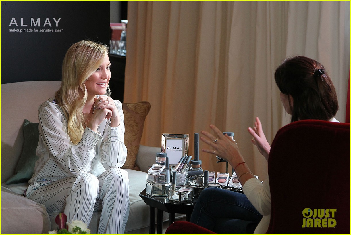 kate hudson the impossible screening with naomi watts 132768566