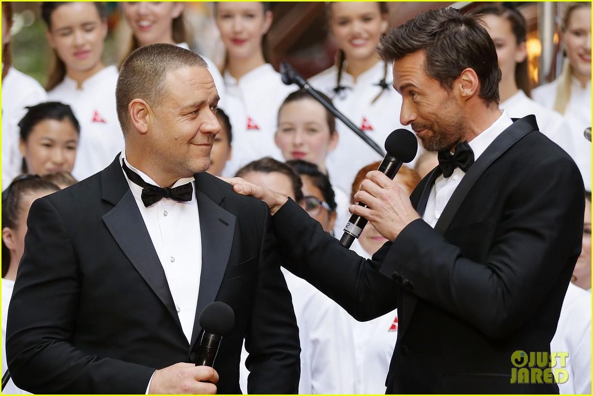 hugh jackman russell crowe les miserables australian premiere 082779149