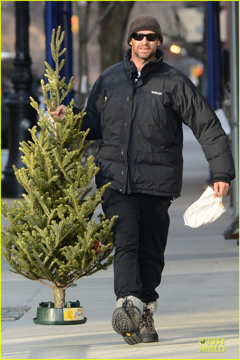 hugh jackman christmas tree shopping with the kids 05