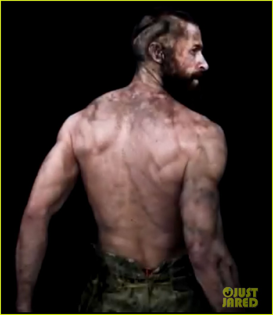 hugh jackman shirtless in les miserables featurette 032772142