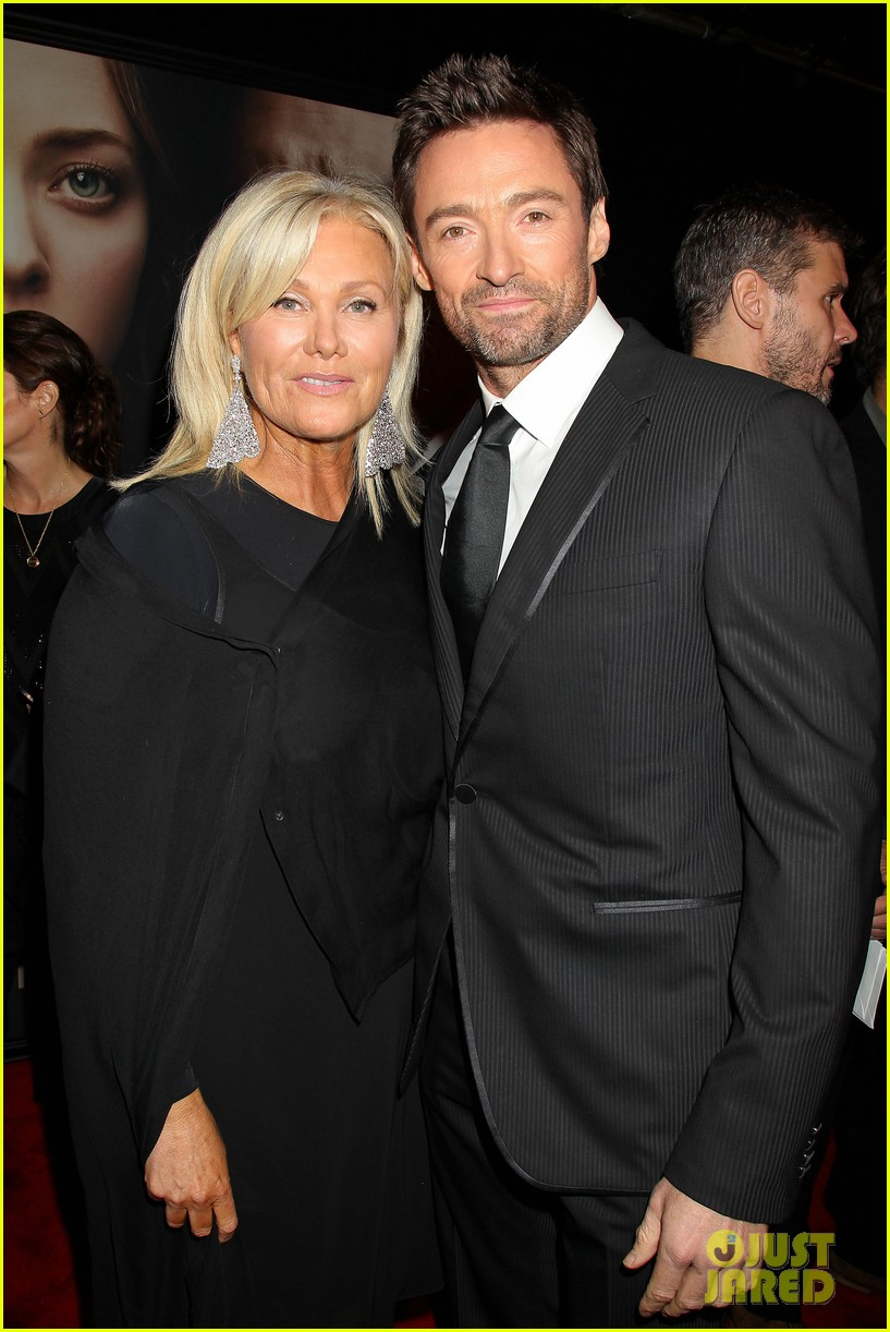 hugh jackman russell crowe les miserables nyc premiere 04