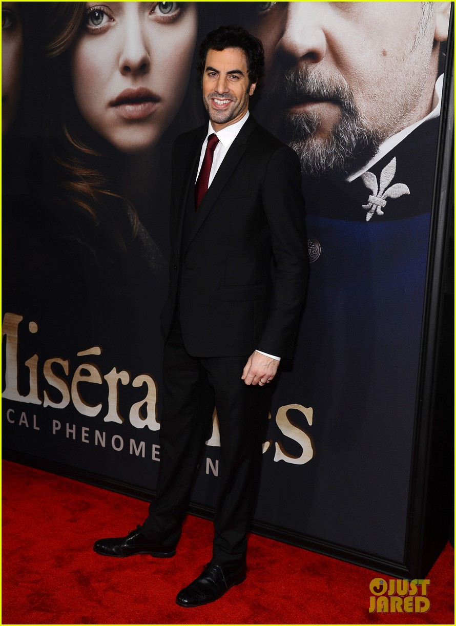 hugh jackman russell crowe les miserables nyc premiere 132773308