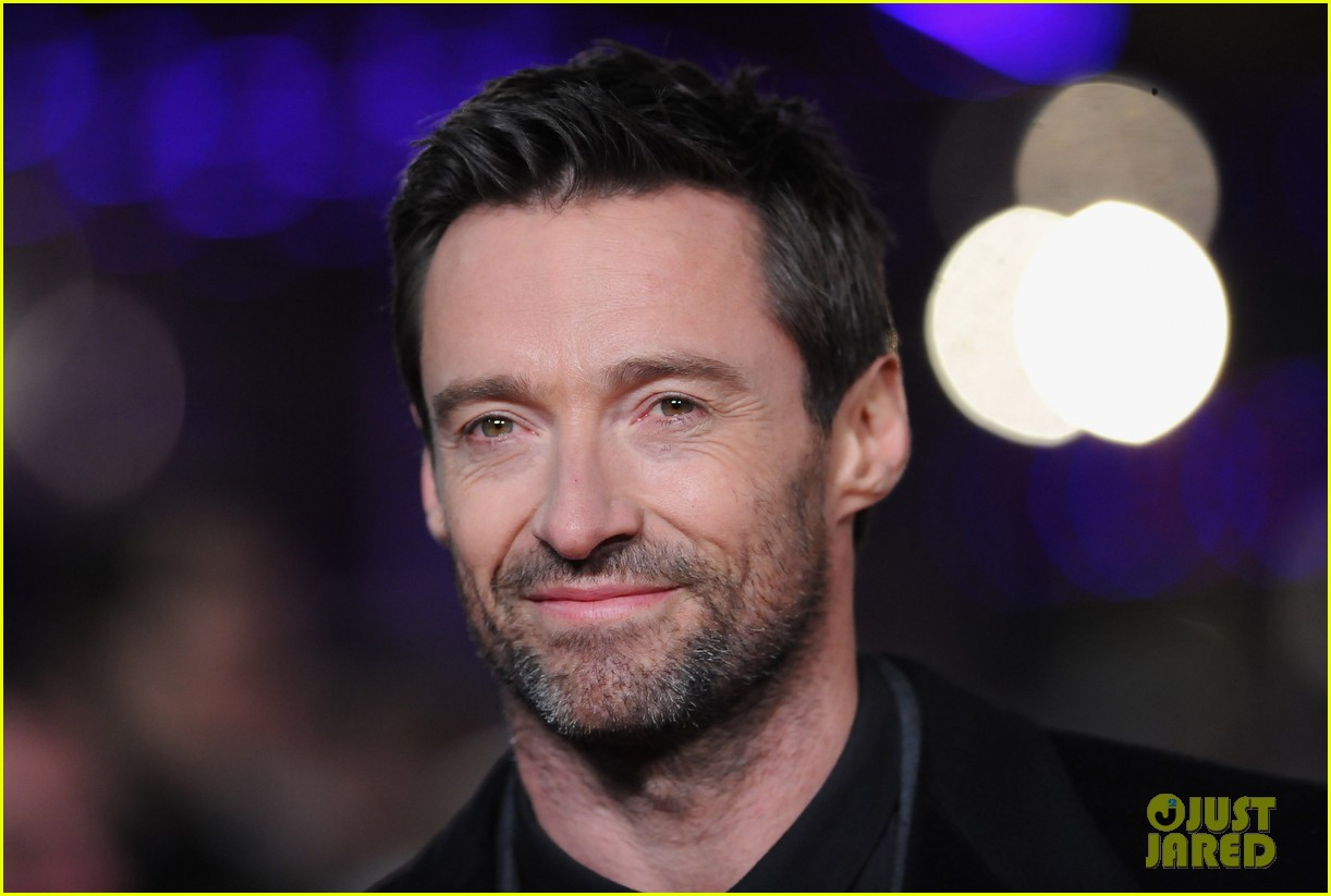 hugh jackman russell crowe les miserables world premiere 022769697
