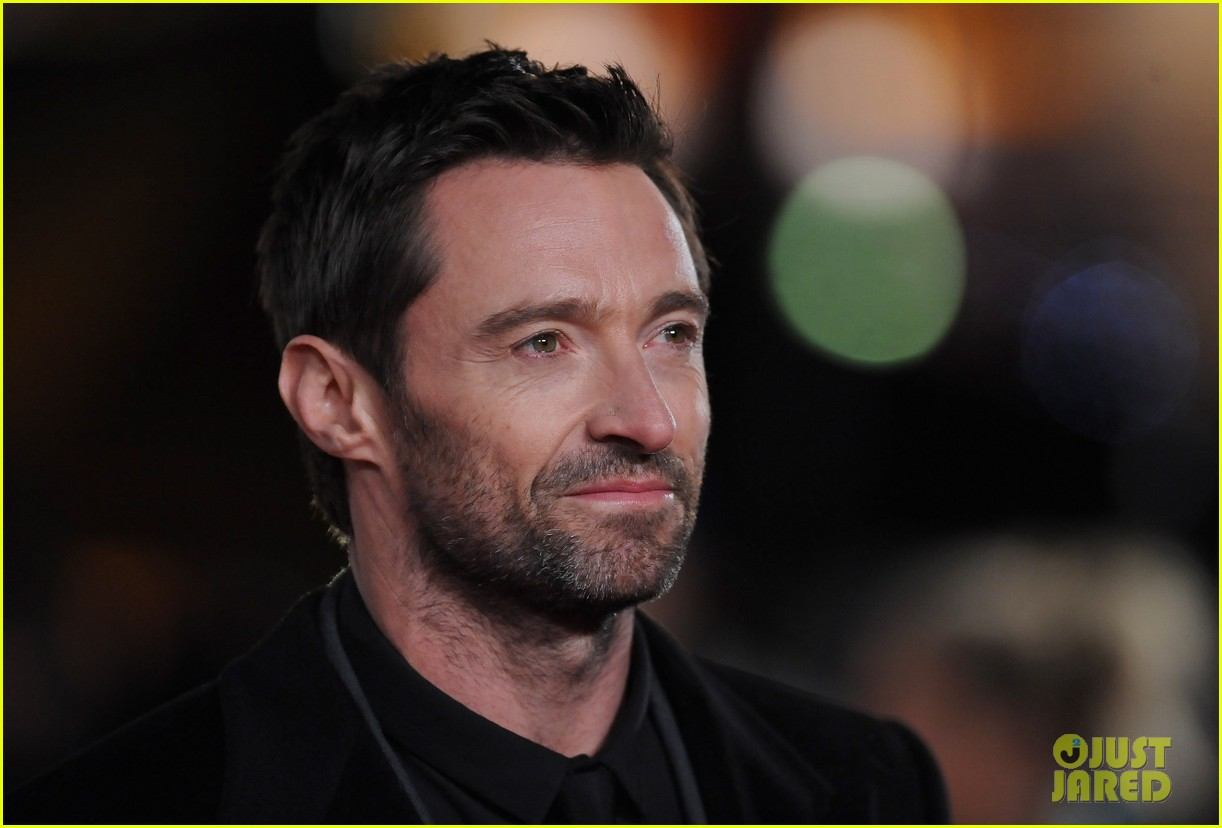 hugh jackman russell crowe les miserables world premiere 09
