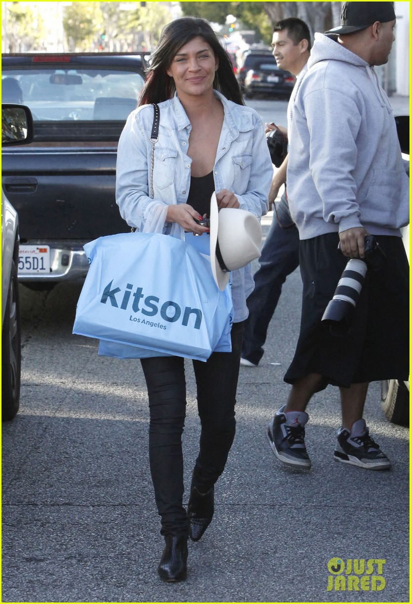 jessica szohr holiday shopping giggles 182779207