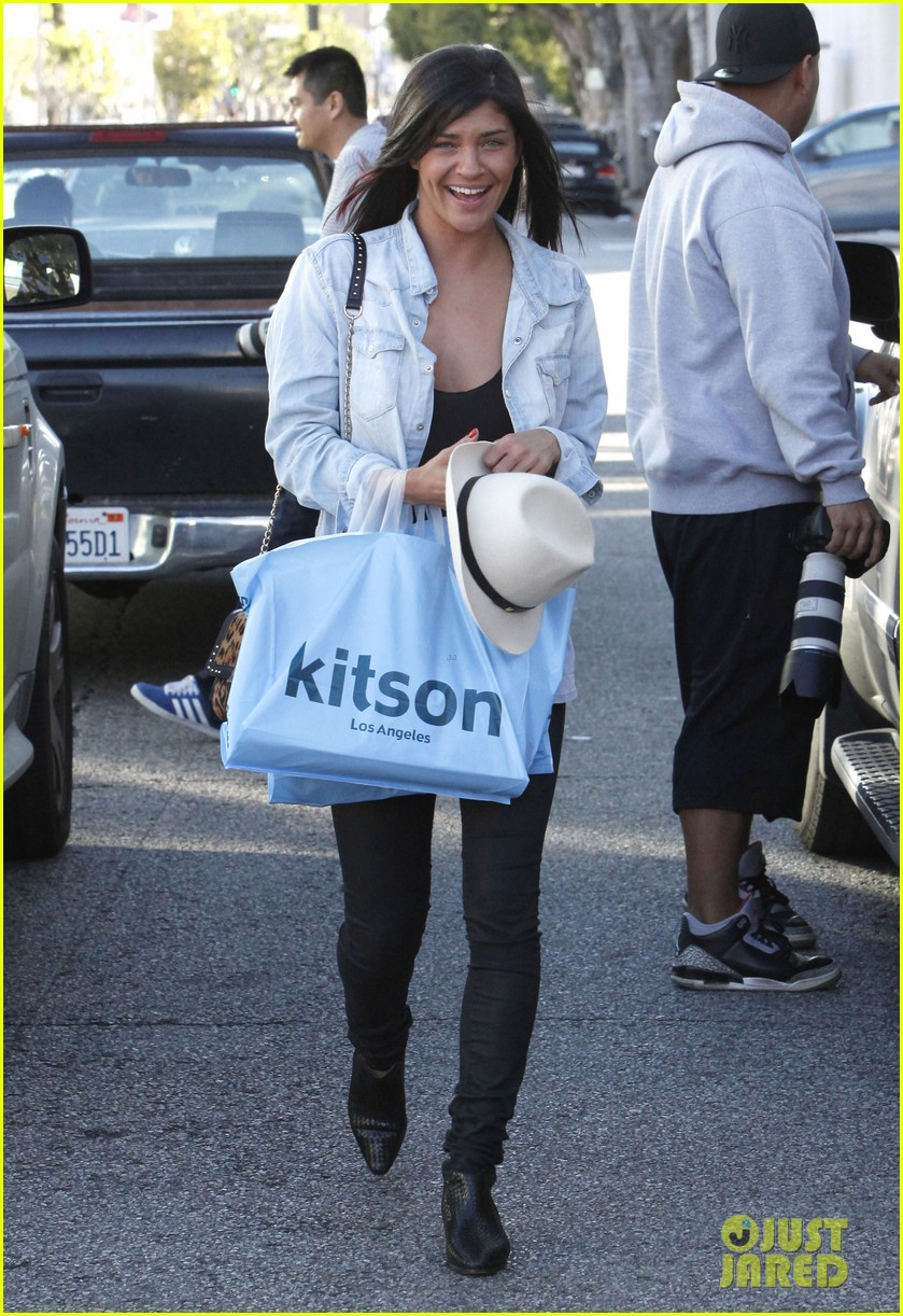 jessica szohr holiday shopping giggles 19