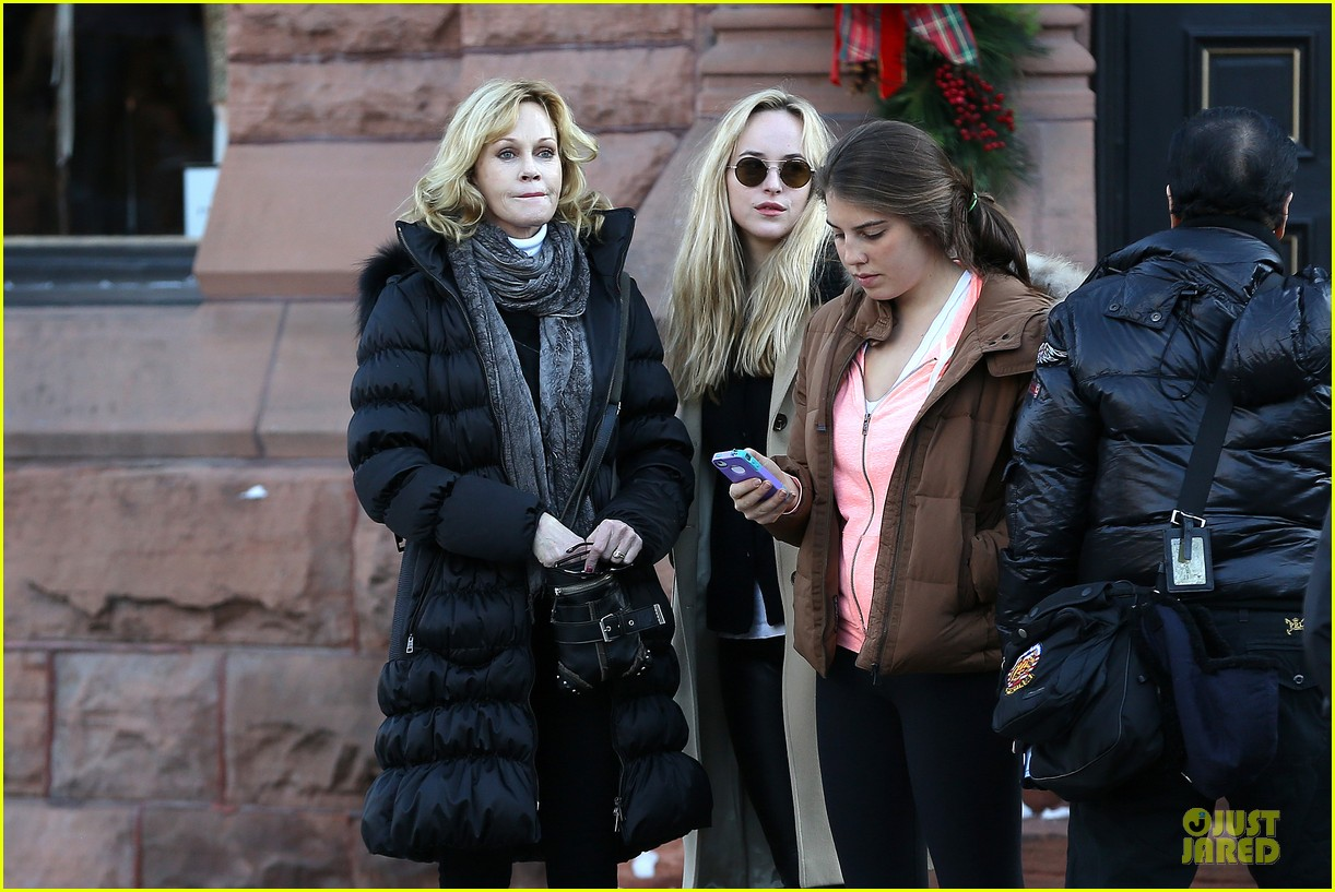 dakota johnson & melanie griffith aspen vacation with stella 042780411