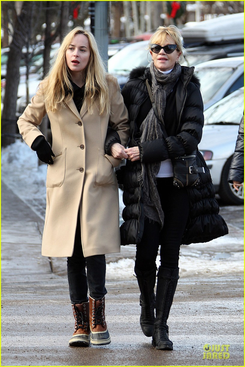 dakota johnson & melanie griffith aspen vacation with stella 062780413