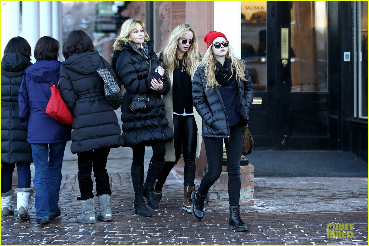 dakota johnson & melanie griffith aspen vacation with stella 232780430