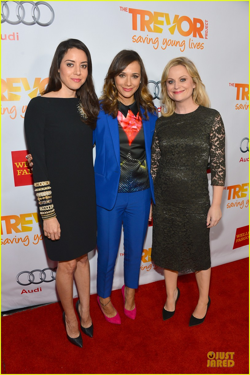 rashida jones amy poehler trevor live 2012 03