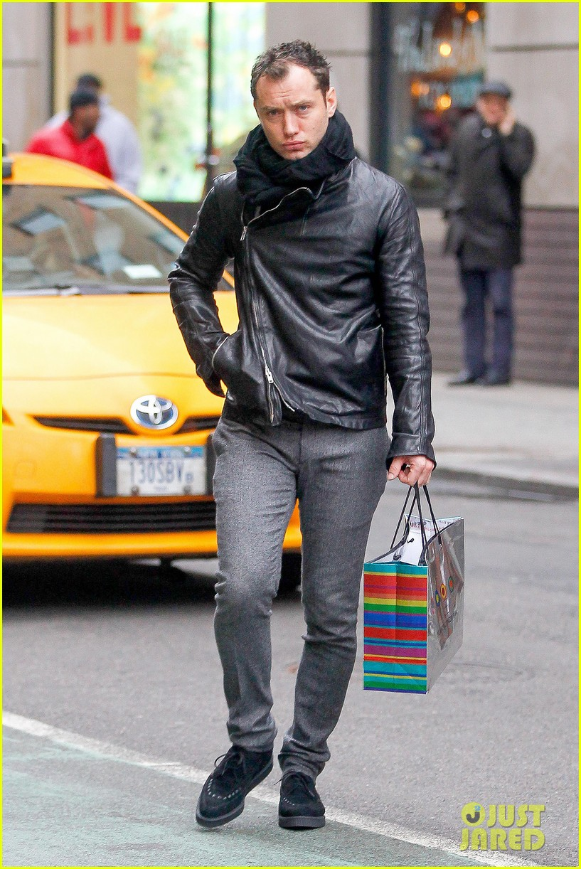 jude law dylans candy bar sweet tooth 032777342