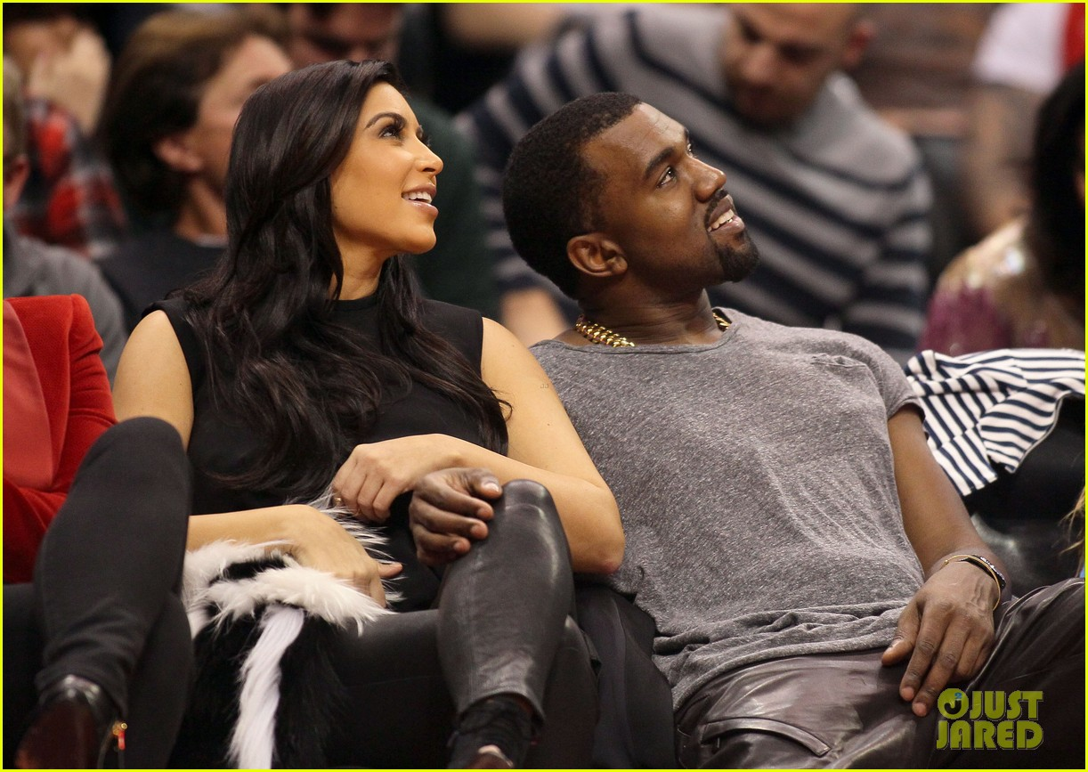 kim kardashian kanye west christmas clippers game 01