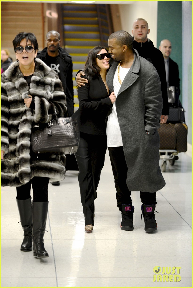 kim kardashian pregnant first sighting with kanye west 012782915