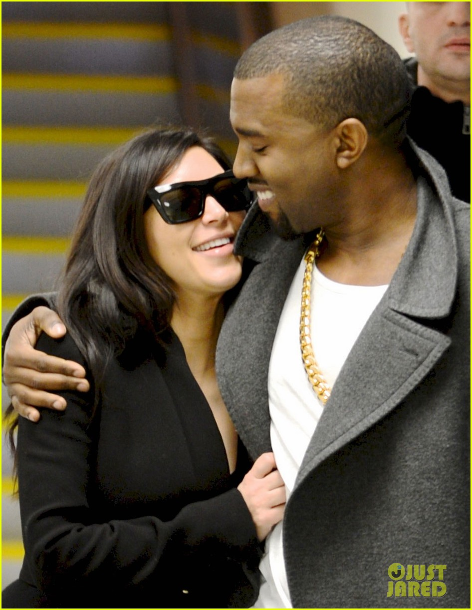 kim kardashian pregnant first sighting with kanye west 042782918