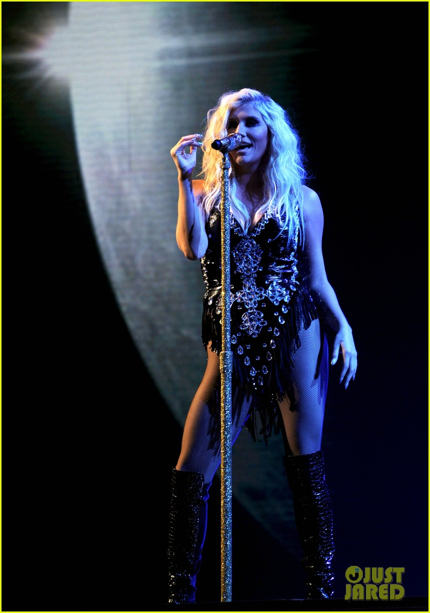 kesha performs cmon on the x factor watch now 032771096