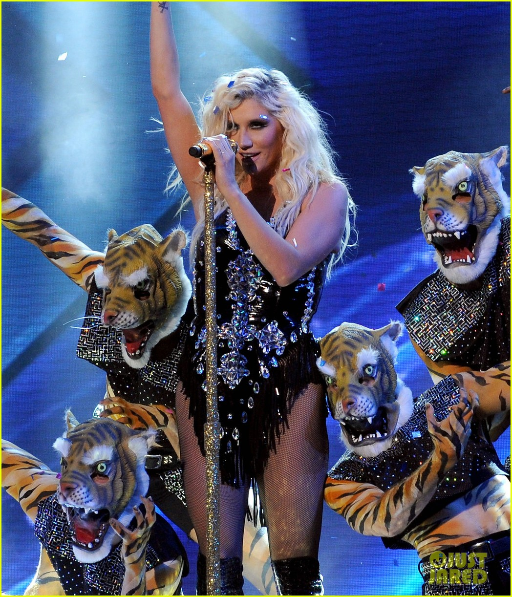 kesha performs cmon on the x factor watch now 052771098