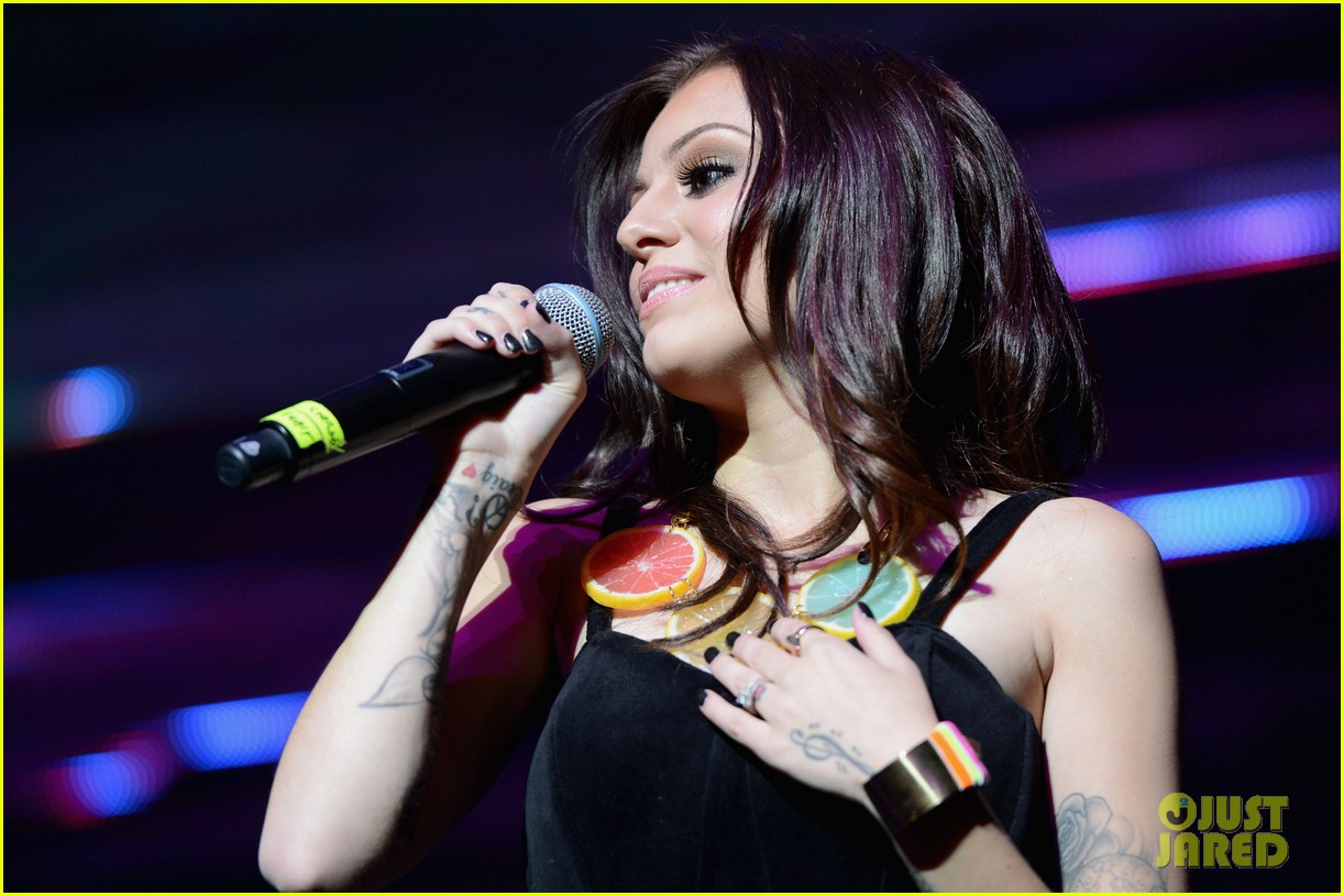 kesha cher lloyd y100 jingle ball 2012 022773114